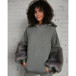 Express faux fur hoodie grey